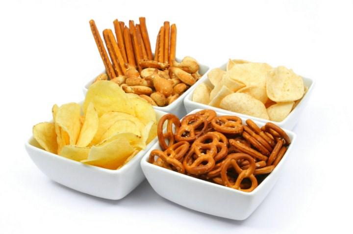 чипсы, соломка, крекеры