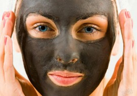 Эффективная черная маска для лица против черных точек