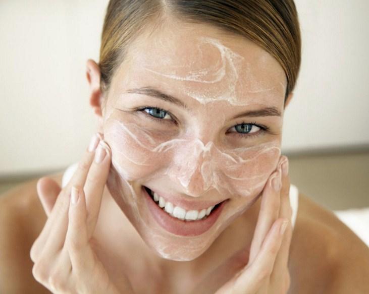 наносим дегтярное мыло